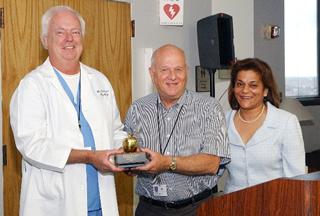 Dr. Williams receives Golden Apple Award
